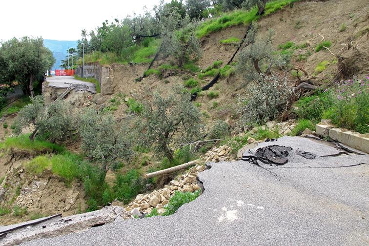 sorrento amalfi capri landslide